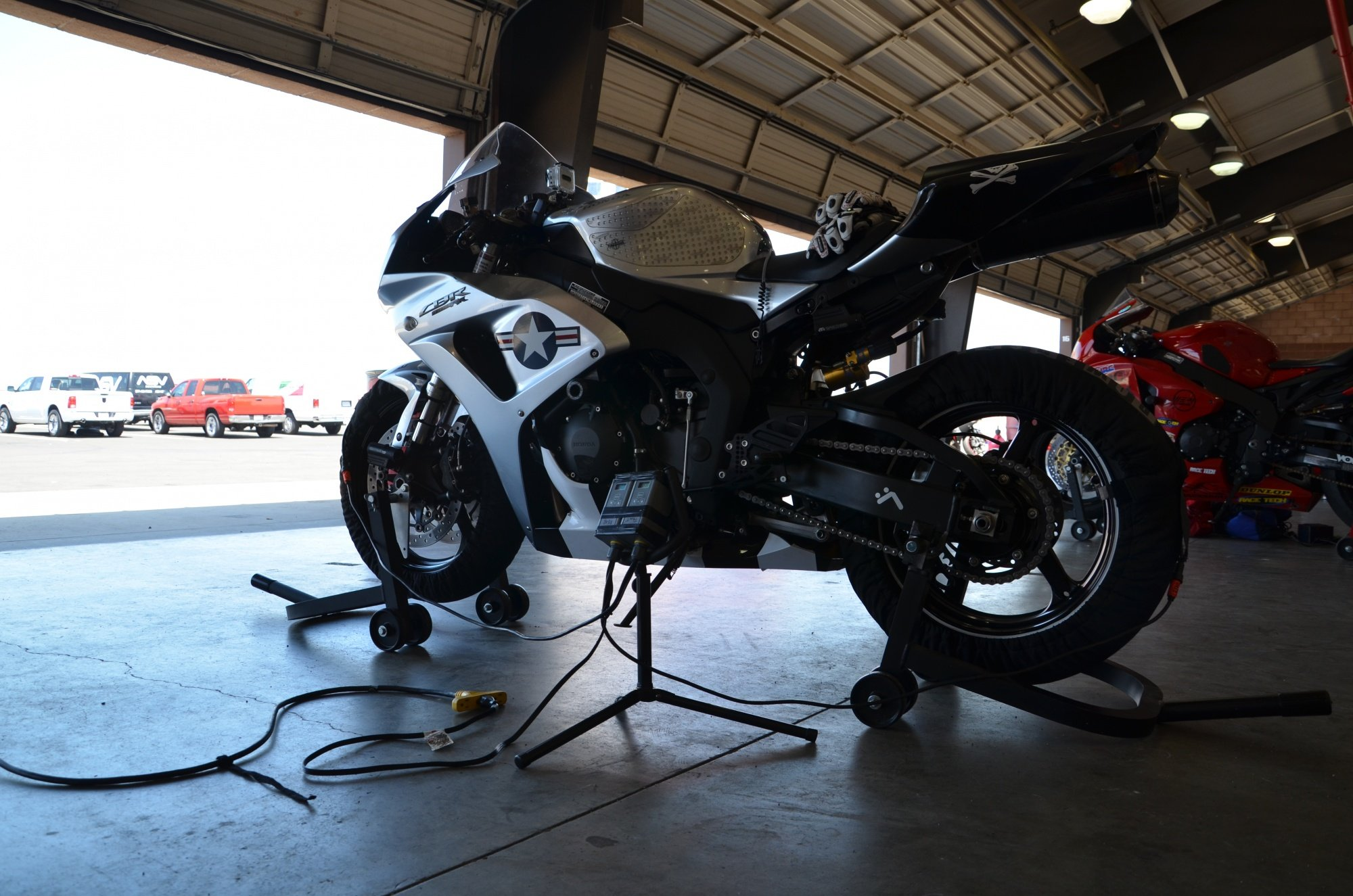 Best windshield for my 1000rr-and_1898.jpg