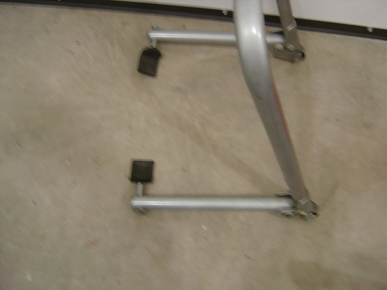 Rear Stand question-dsc01056.jpg