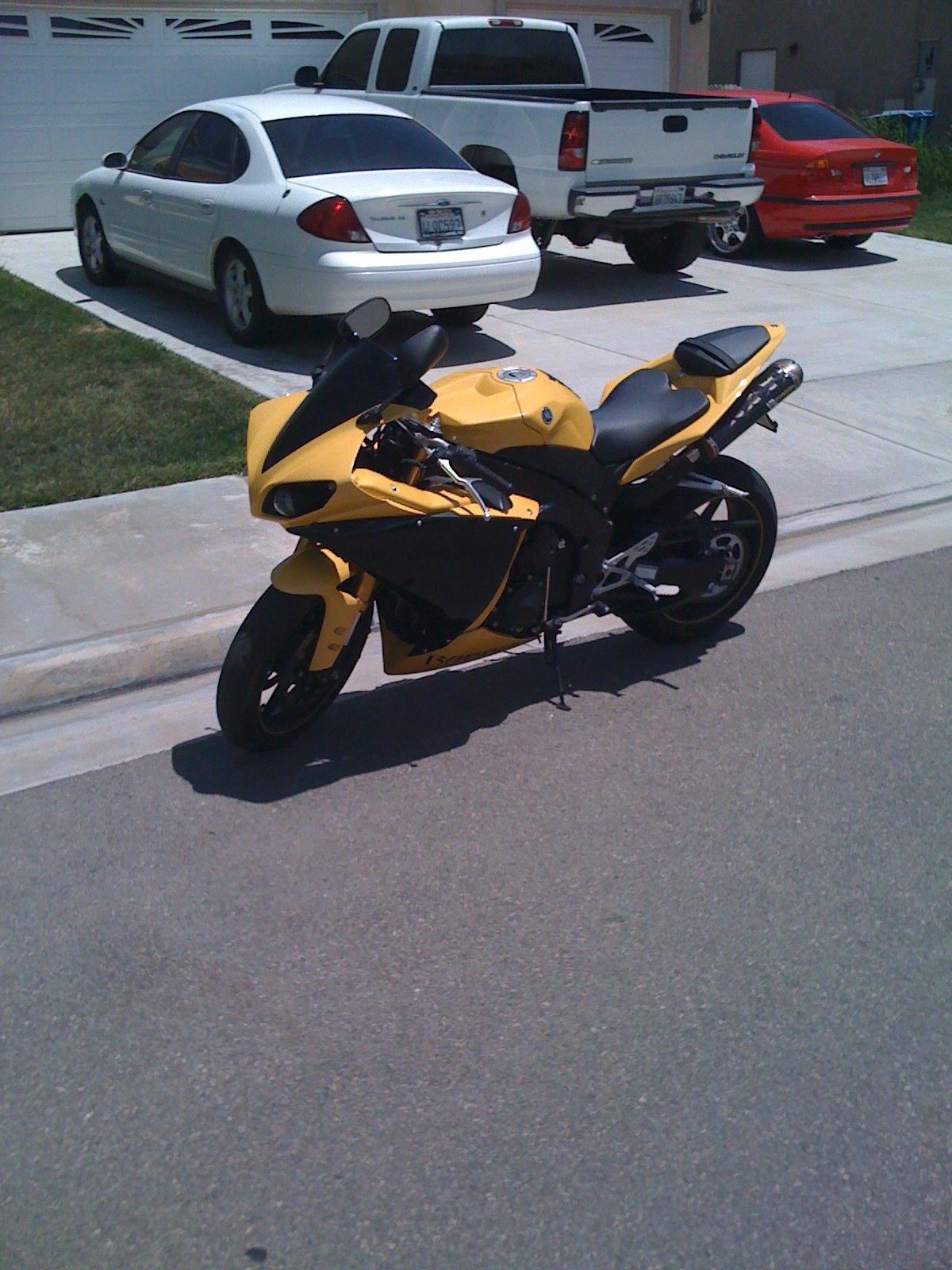 anyone have any experience with r1's ?-img_0253.jpg