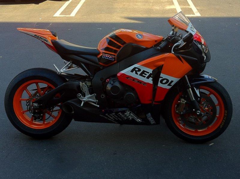 """2008 bike """"build"""" with 2010 motor-repsol-7.jpg"""