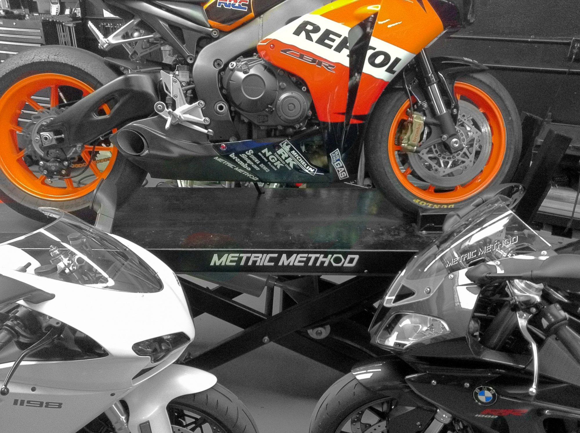 """2008 bike """"build"""" with 2010 motor-repsol-8.jpg"""